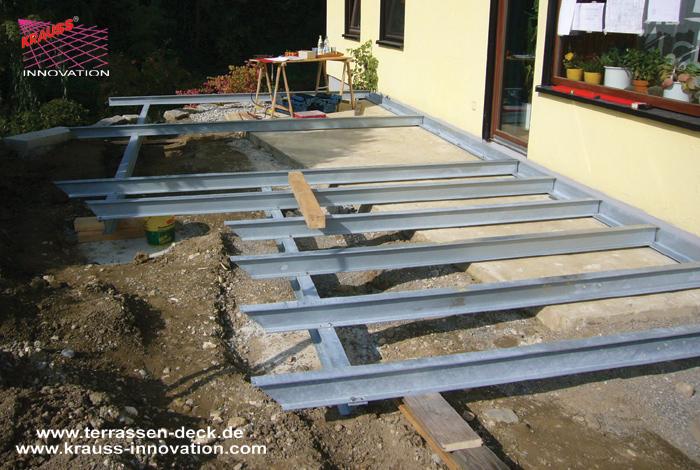 teilweise ueberdachtes terrassen deck mit begehbaren glasfeldern direkt vom hersteller krauss. Black Bedroom Furniture Sets. Home Design Ideas